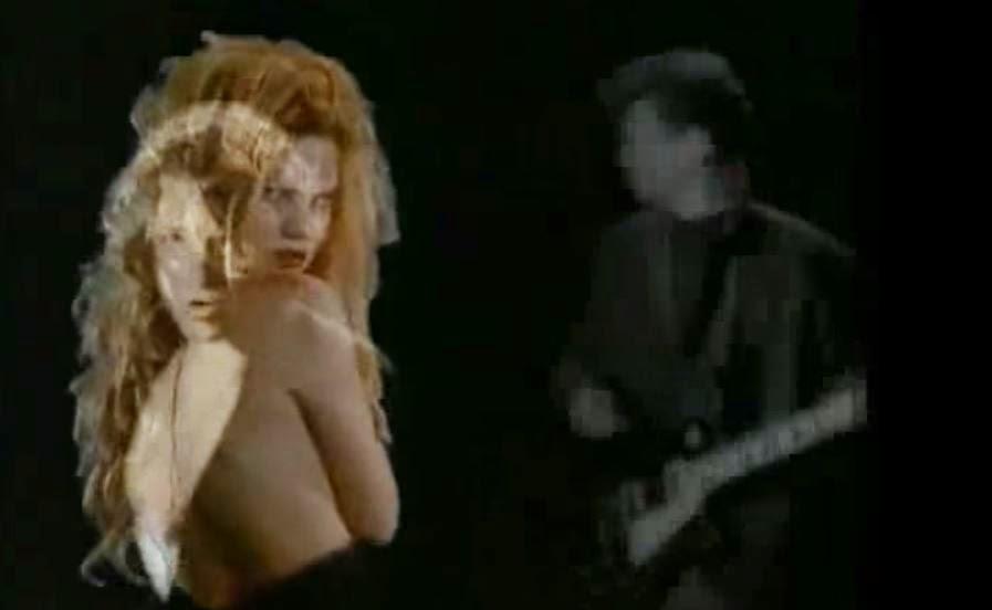 videos-musicales-de-los-90-inxs-suicide-blonde.