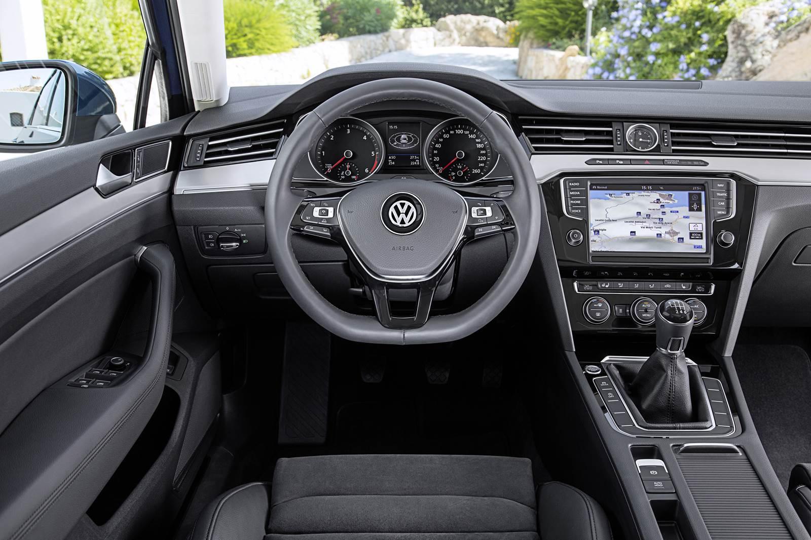 Novo passat chega ao brasil no segundo semestre de 2015 for Volkswagen passat interior