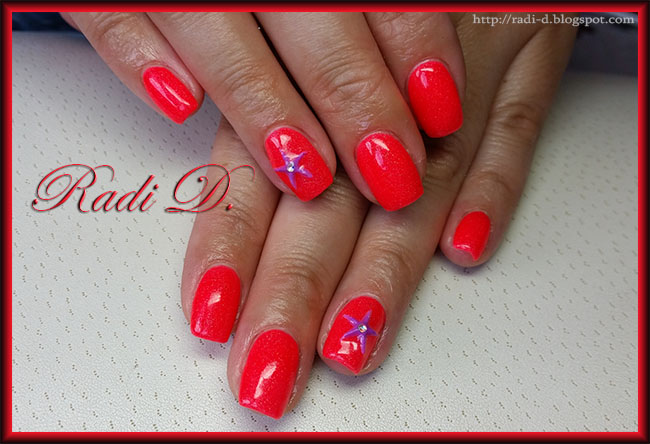 It`s all about nails: Neon orange gel polish with 3D acryl starfish