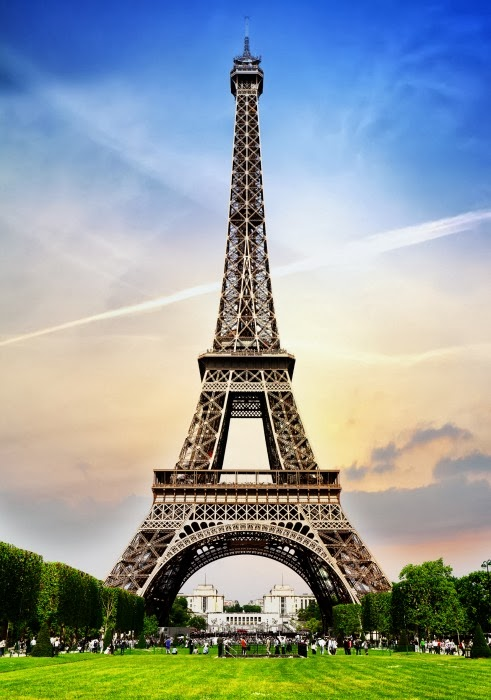 Advice for Student Travel to Paris