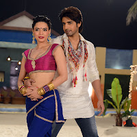 Adda movie item song hot sizzling actress photos gallery