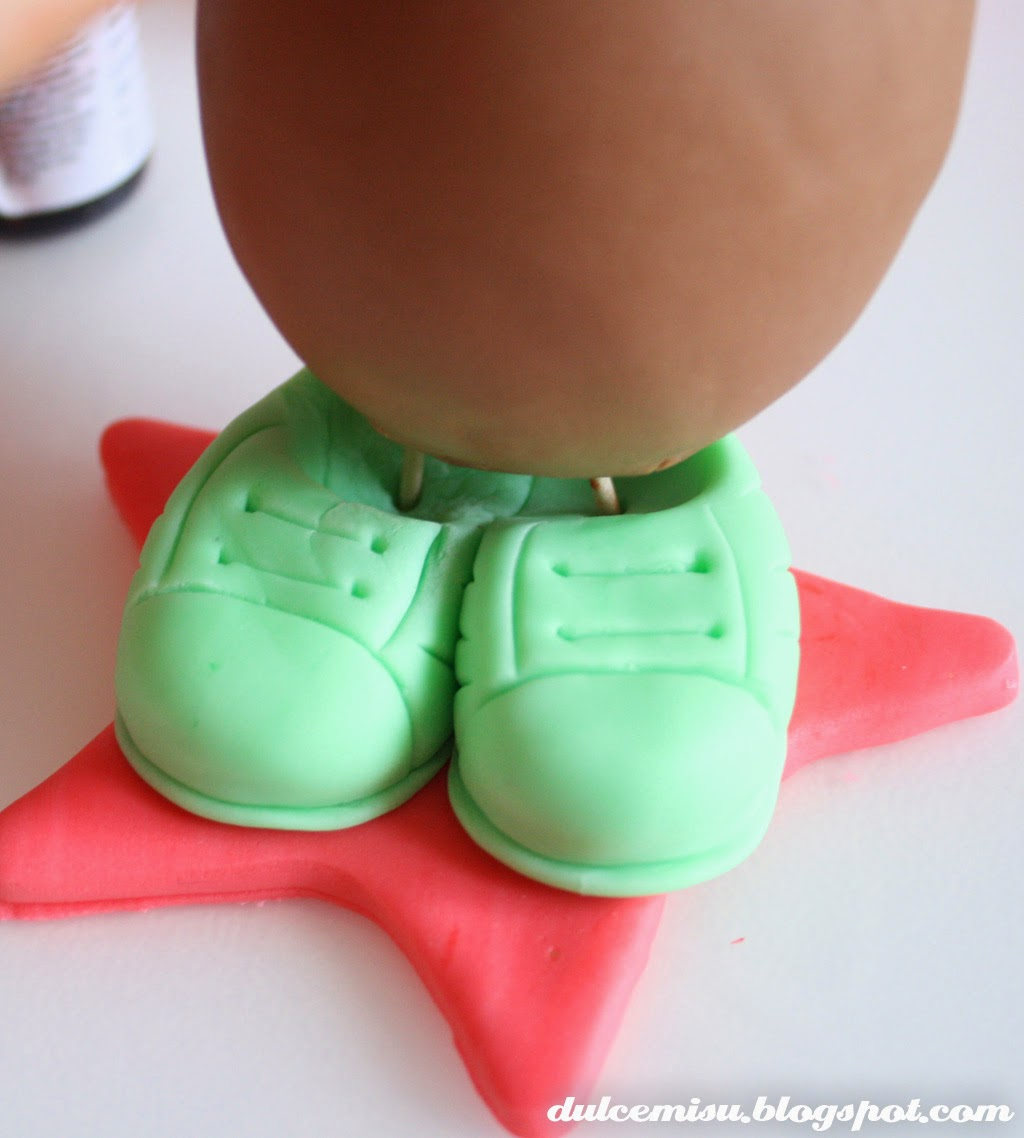MR. Potato, fondant, dulcemisu, tutorial para hace un potato, juguete de fondant, modelar, colorante gel, CMC, decoración, cortador, estrella