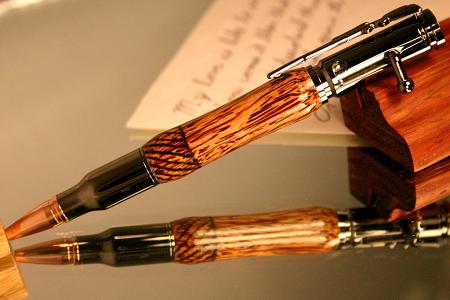 Mơ thấy phụ huynh lén tặng mình cây bút