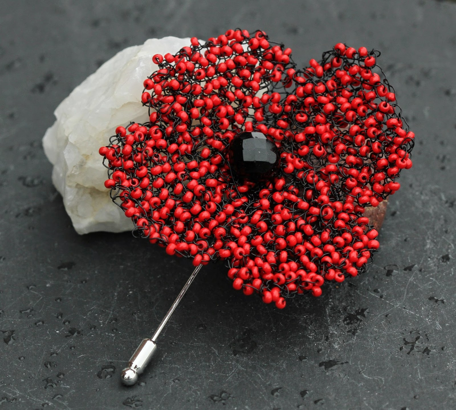 Knitting Pattern For Poppy Brooch : Angela Smith Jewellery: knitted wire and bead poppy brooches