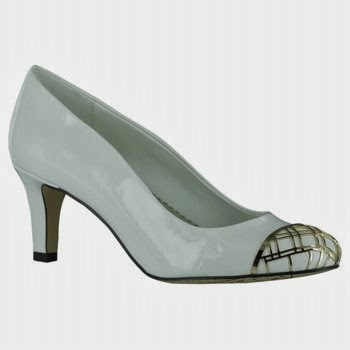 Women extra dress shoes