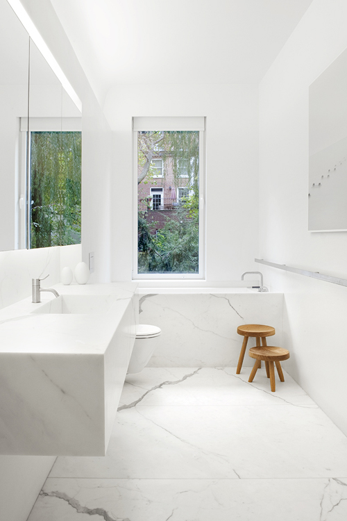 Http Www Todaloos Com 2012 07 All White Modern Minimalist Bathrooms Html