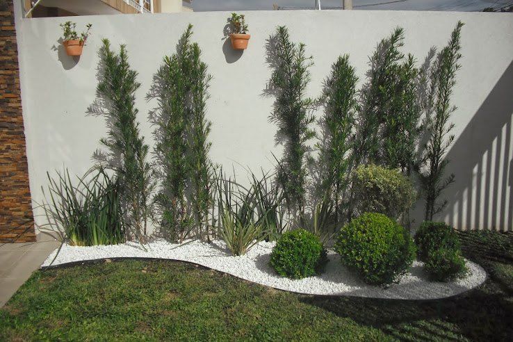pedras de jardim branca : pedras de jardim branca:JARDIM FEITOS COM PEDRAS BRANCAS E FLORES CRAVINIA E BUXINHOS ~ Bela