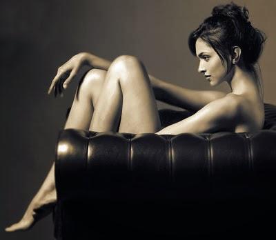 Deepika Padukune goes nude !!