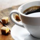 Zatul de cafea pentru ten gras