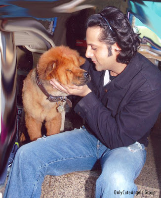 Bollywood_Celebrities_With_Their_Pets