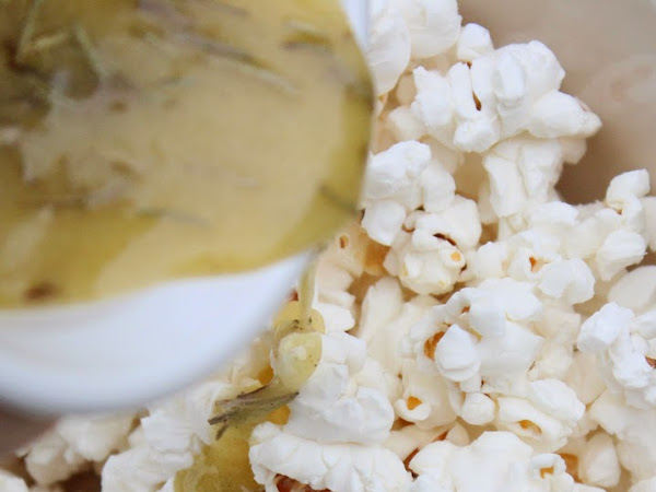 Buttery Herb Popcorn