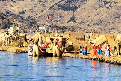 Ilhas flutuantes dos Uros – Peru