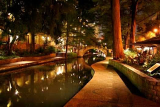 San Antonio River Walk (Best Honeymoon Destinations In USA) 5