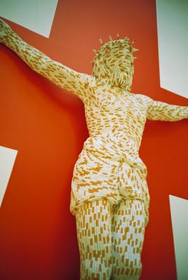 """Patung karya Sarah Lucas ini berjudul """"Christ You Know it Ain't Easy"""""""