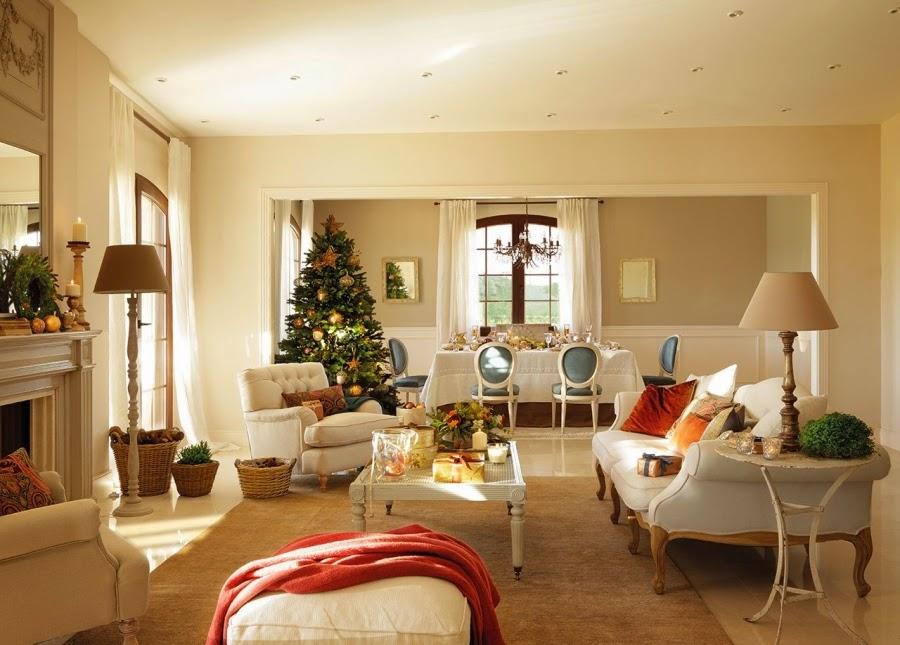 wystrój wnętrz, home decor, wnętrza, urządzanie domu, mieszkanie, Święta Bożego Narodzenia, Christmas, styl francuski, stare złoto, glamour, choinka, ozdoby świąteczne, kominek, dekoracja stołu, salon, jadalnia