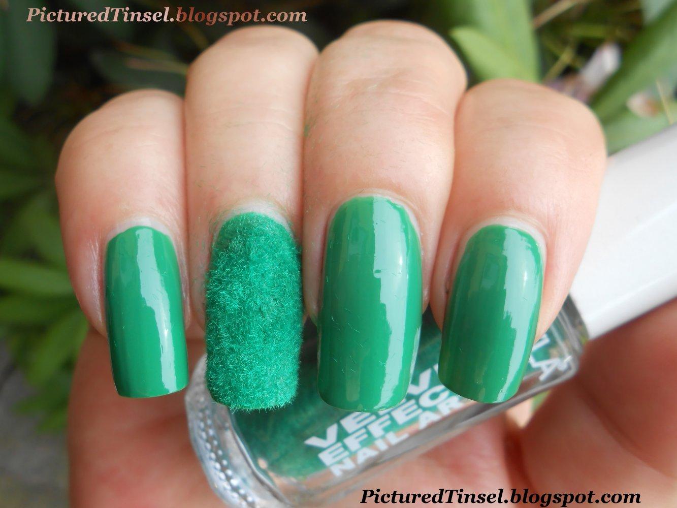 PicturedTinsel: Layla Velvet Effect Nail Art 06 Green Lawn