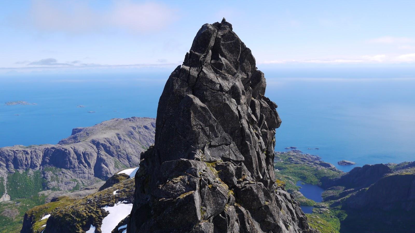 fjelltopper i norge over 2000 meter