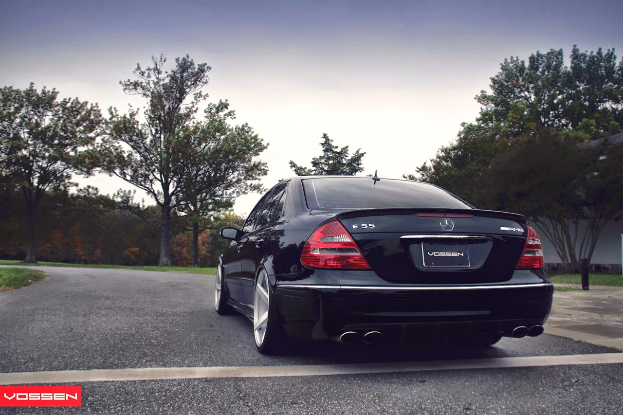 http://2.bp.blogspot.com/-wPw98FCgxAA/T_D6HNP_N9I/AAAAAAAAE2c/c5Lif-YCRYc/s1600/mercedes-benz-e-55-amg-w211-on-vossen-wheels-10.jpg