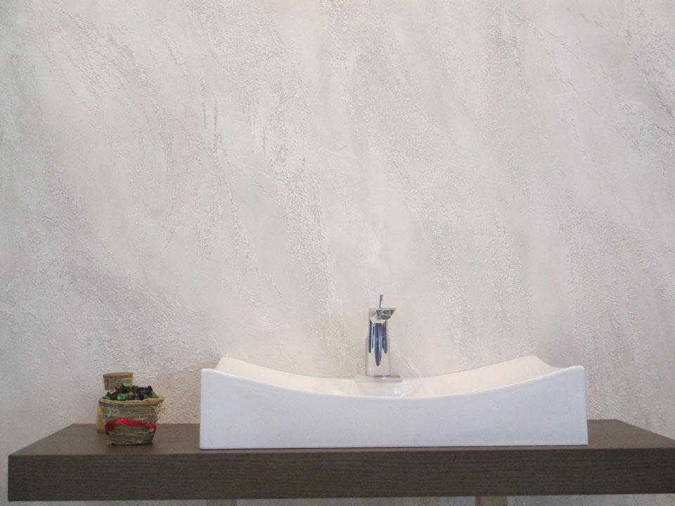 Stucco veneziano essalmi color for Grassello di calce spatolato