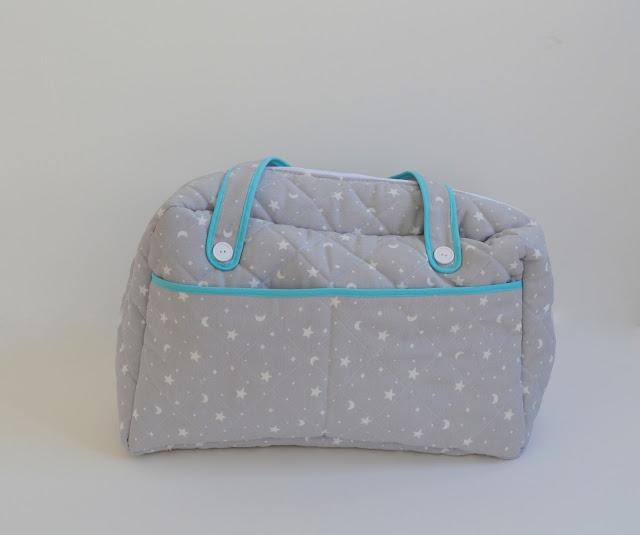 http://www.elrincondefrifri.com/2014/12/costura-bolso-bebe-diy.html