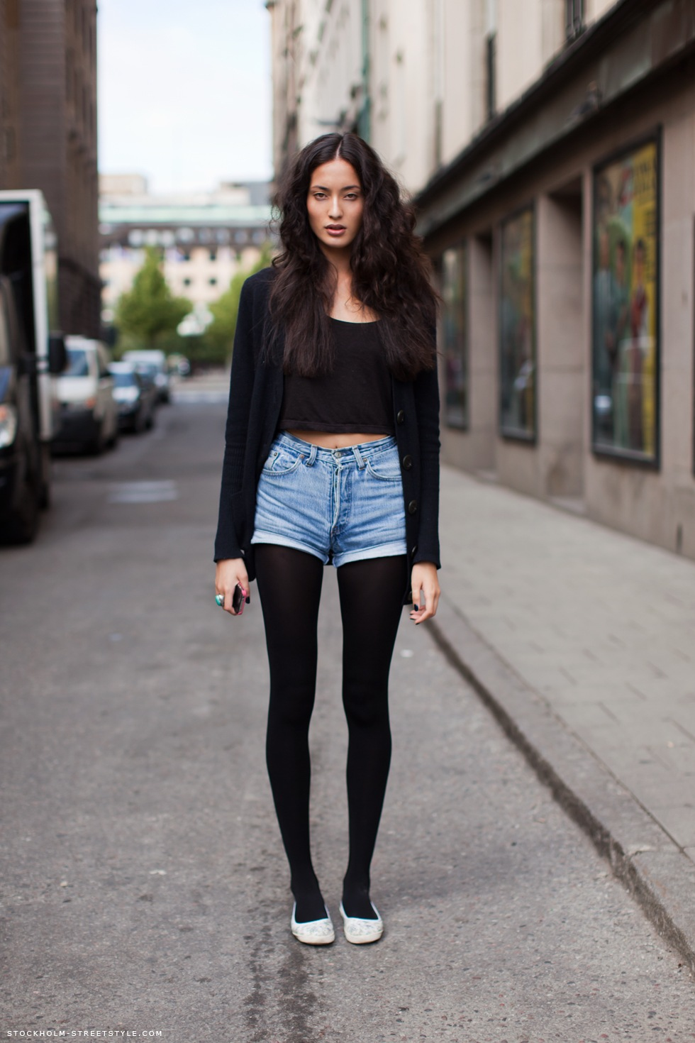 I love seeing Girls wearing black Tights and red