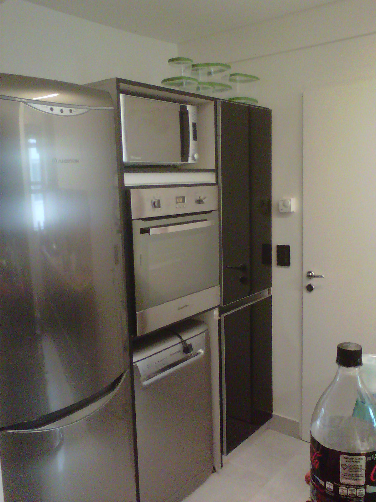 Muebles de cocina comedor living ba o dormitorio for Muebles para cocina comedor