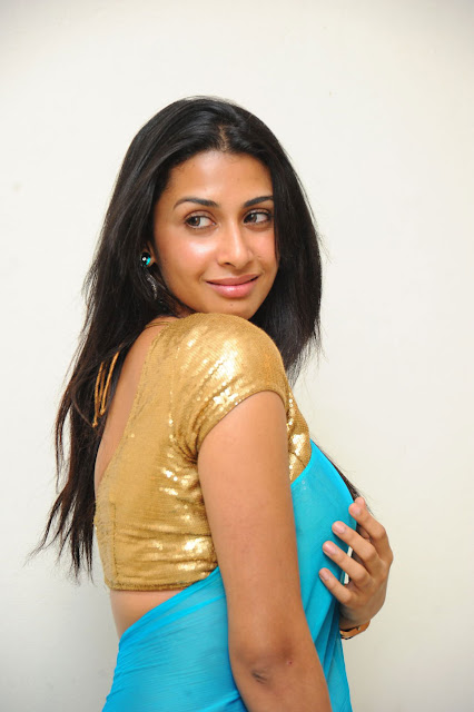 Gayatri Hot Photos - Gola Gola Movie Actress