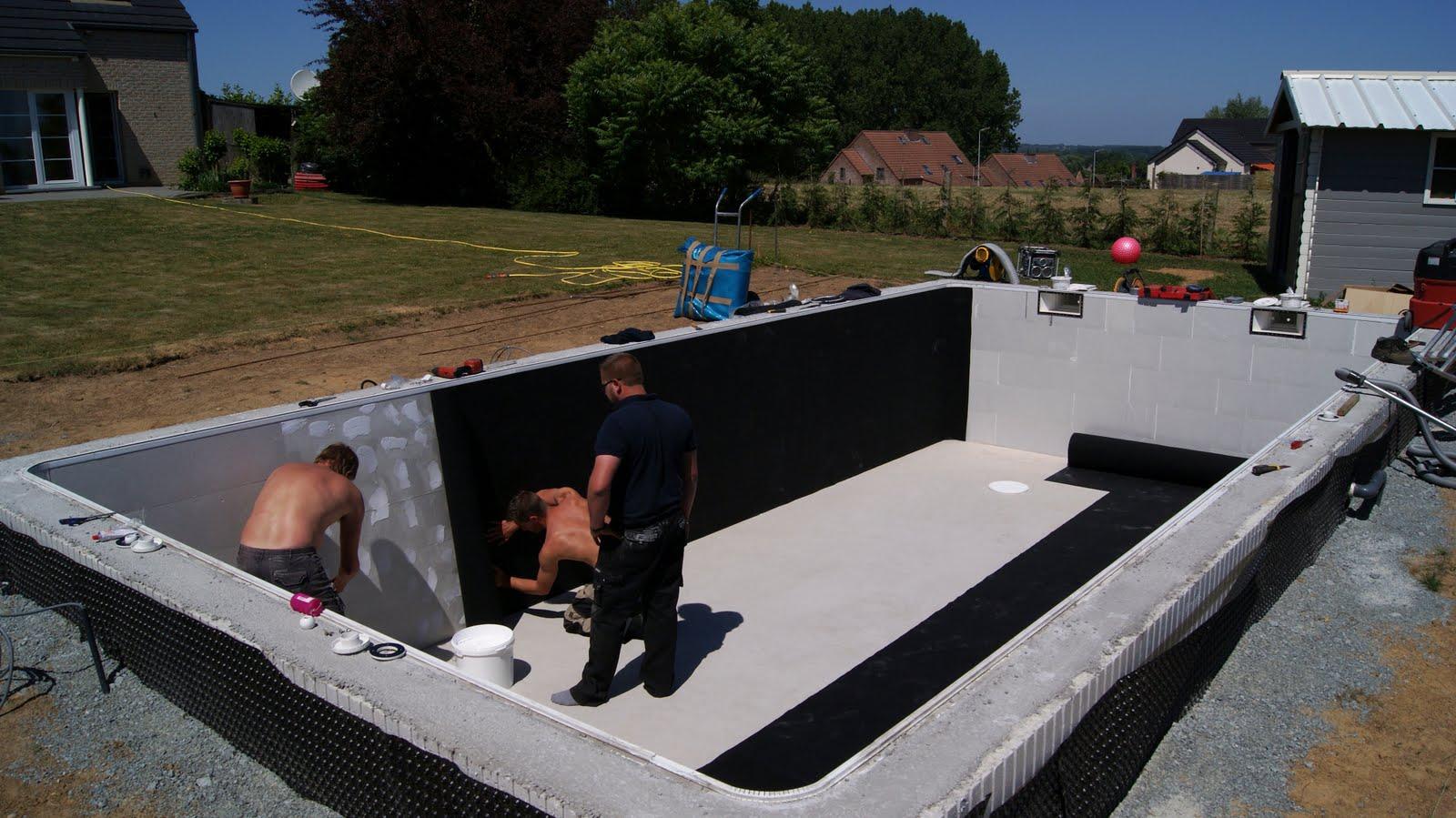 Ma piscine en polystyr ne avril 2011 for Piscine mortier tours
