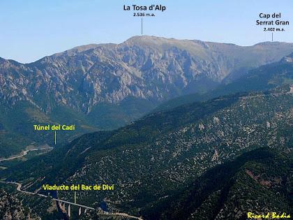 Vistes de la Tosa d'Alp i la vall del Rigoréixer des de la Roca Tiraval. Autor: Ricard Badia