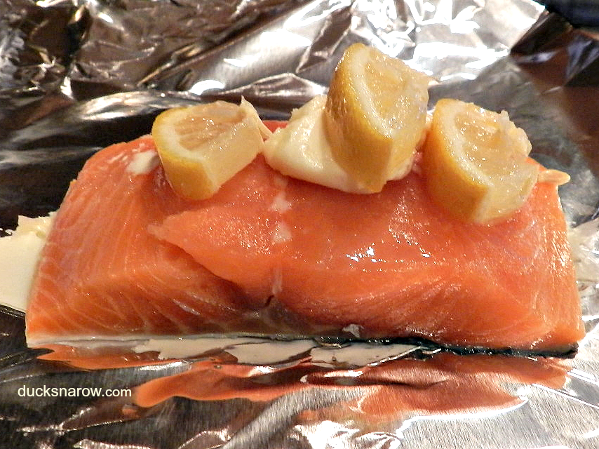 Oven baked salmon in foil #salmon #fish #lowcarb #Atkins Ducks 'n a Row