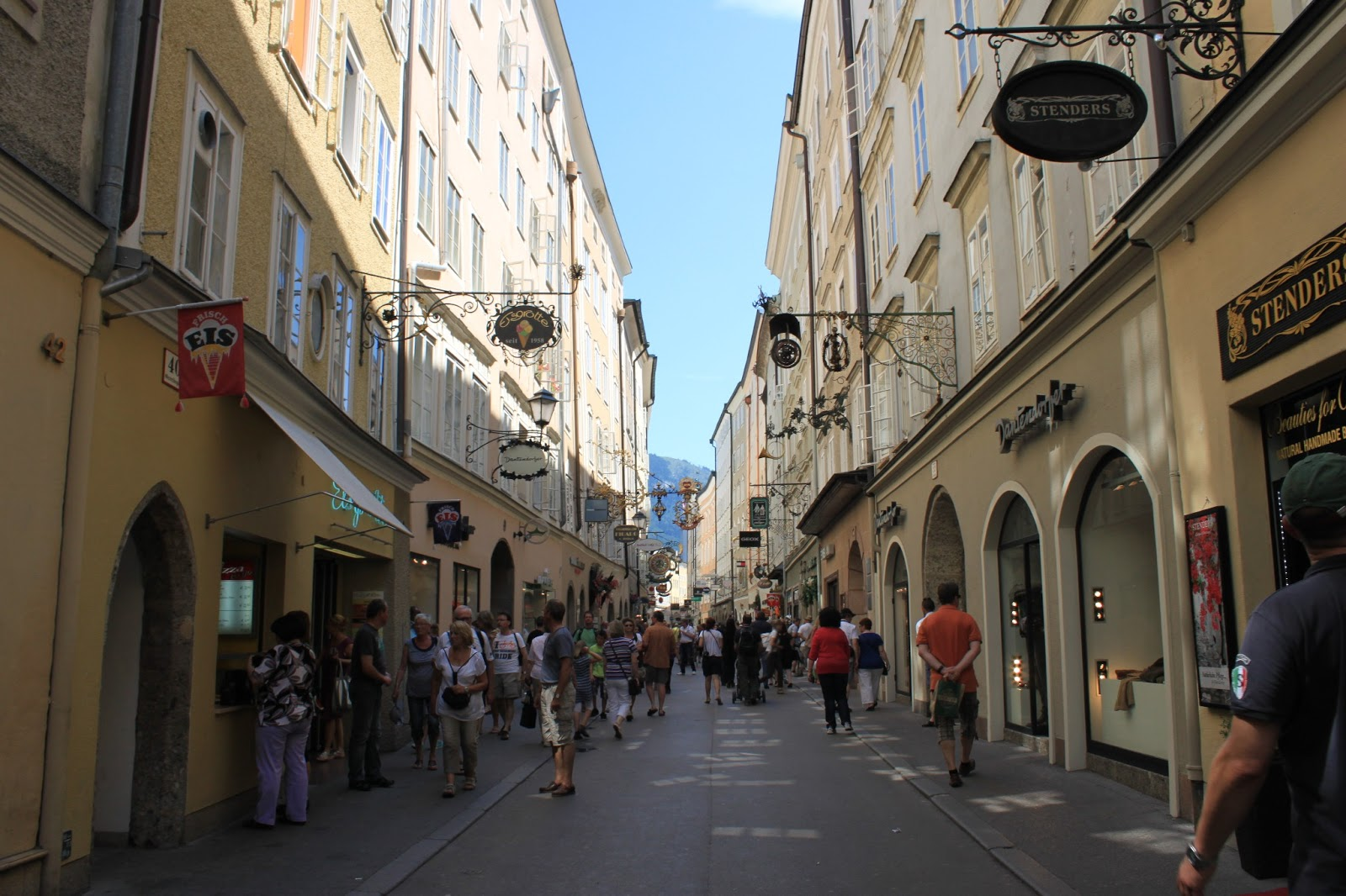 Getreidegasse Sokağı ile ilgili görsel sonucu