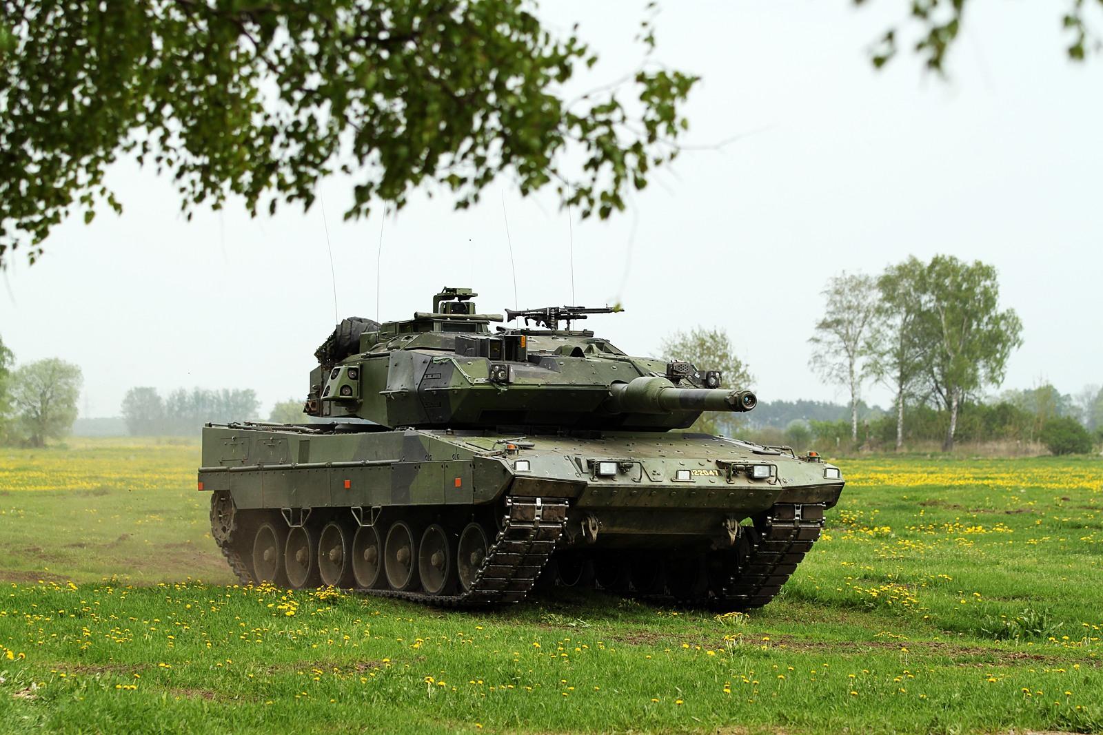 http://2.bp.blogspot.com/-wRGZeirKacQ/UA-Za7EhHJI/AAAAAAAAAZg/Yg3DzjTQiyE/s1600/Leopard+2+A5+-+Kopia+(2).jpg