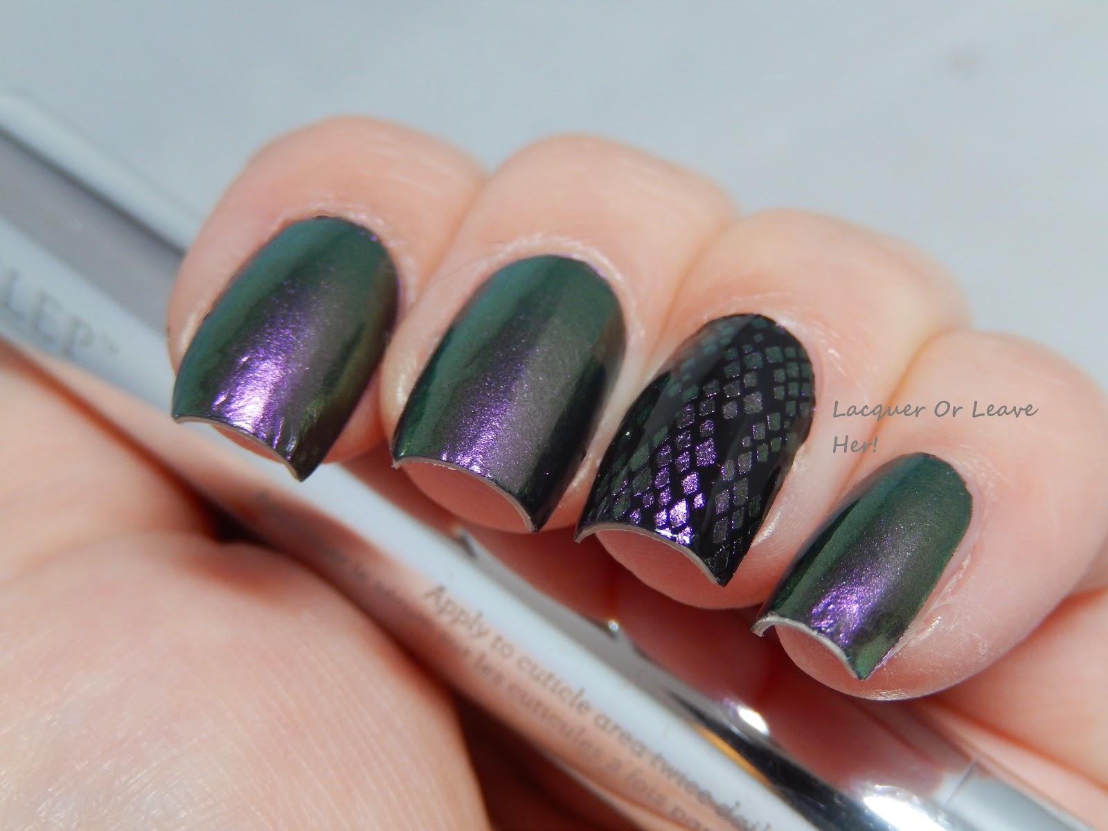 Incoco Duochrome accent nail