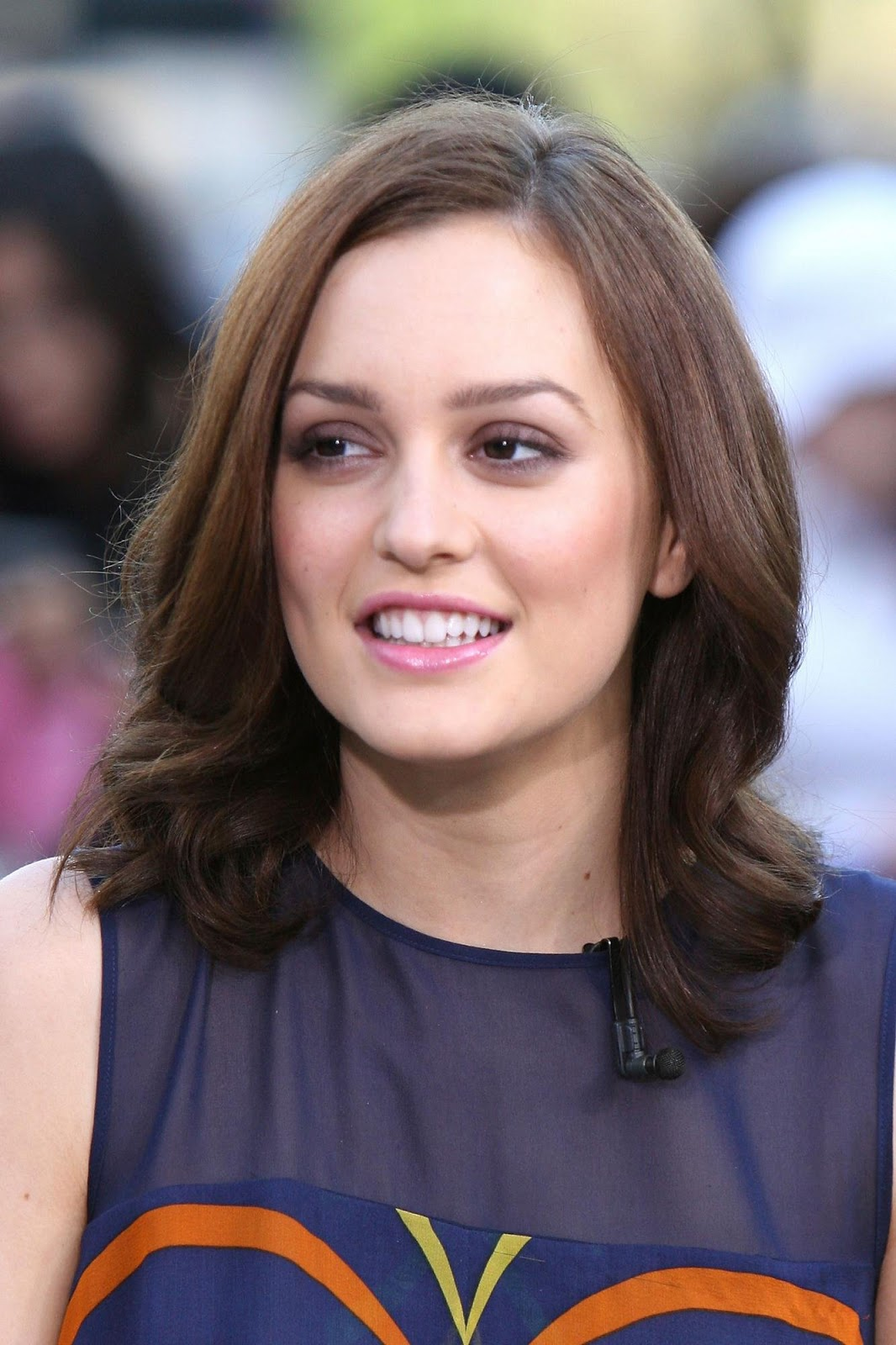 red carpet dresses leighton meester cbs the early show 2008