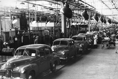 holden cars coming off the production line