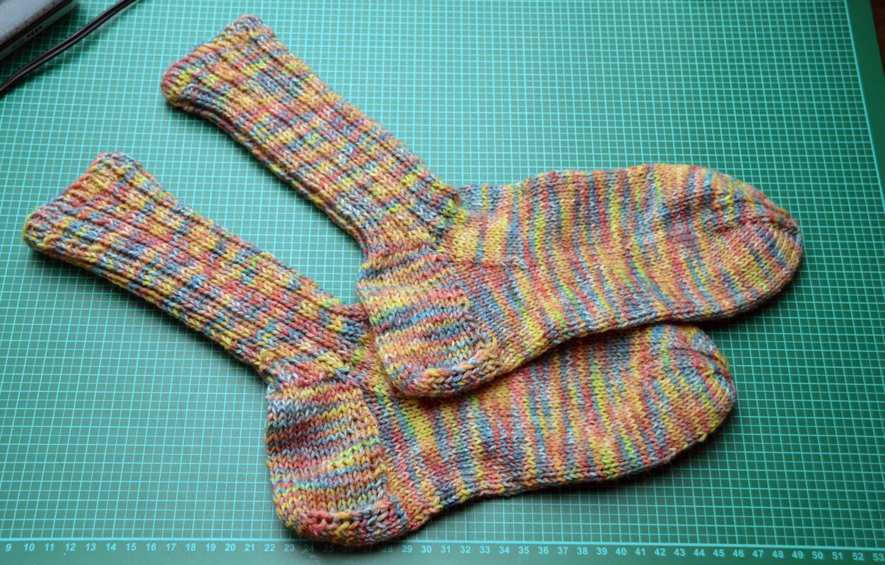 Socken LSD-Farben [Freinaht]