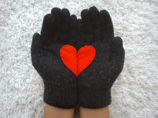 Перчатки ручной работы из овечьей шерсти, сделанные дизайнером Yastikizi с любовью.
