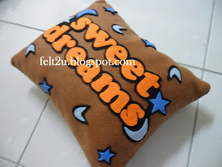 BaNTaL FeLT ThOMaS n FRieNDs (BacK)