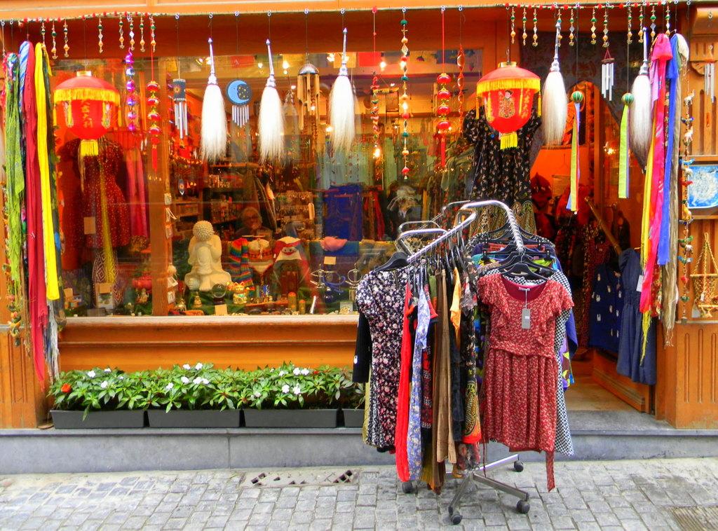 The shophopper hidden treasures in exotic hippie stores for Salon hippie