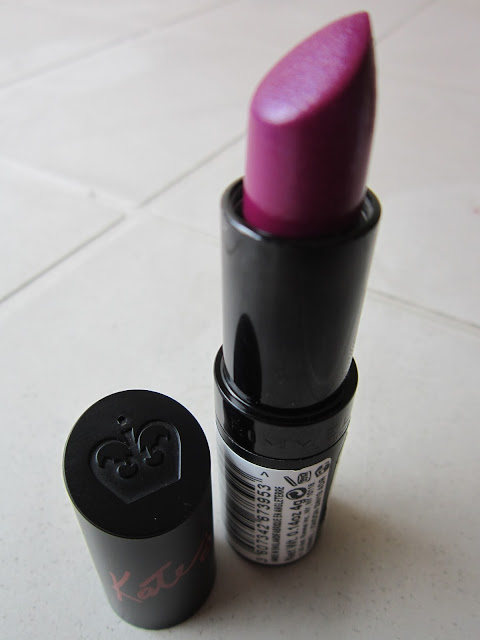 Kate Moss Lipstick & Stay Matte Powder by Rimmel London - Review image