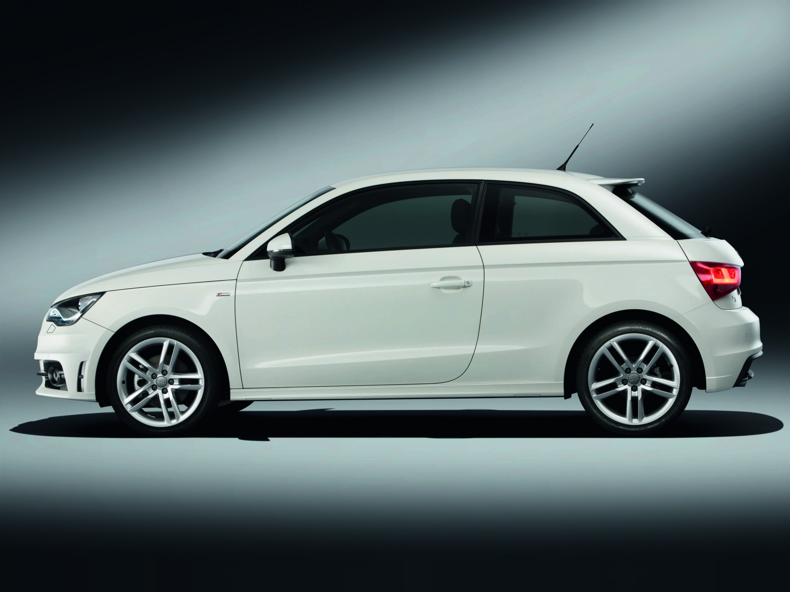 2010 audi a1 1 4 tfsi s line wallpapers pictures specifications interiors and exteriors images. Black Bedroom Furniture Sets. Home Design Ideas