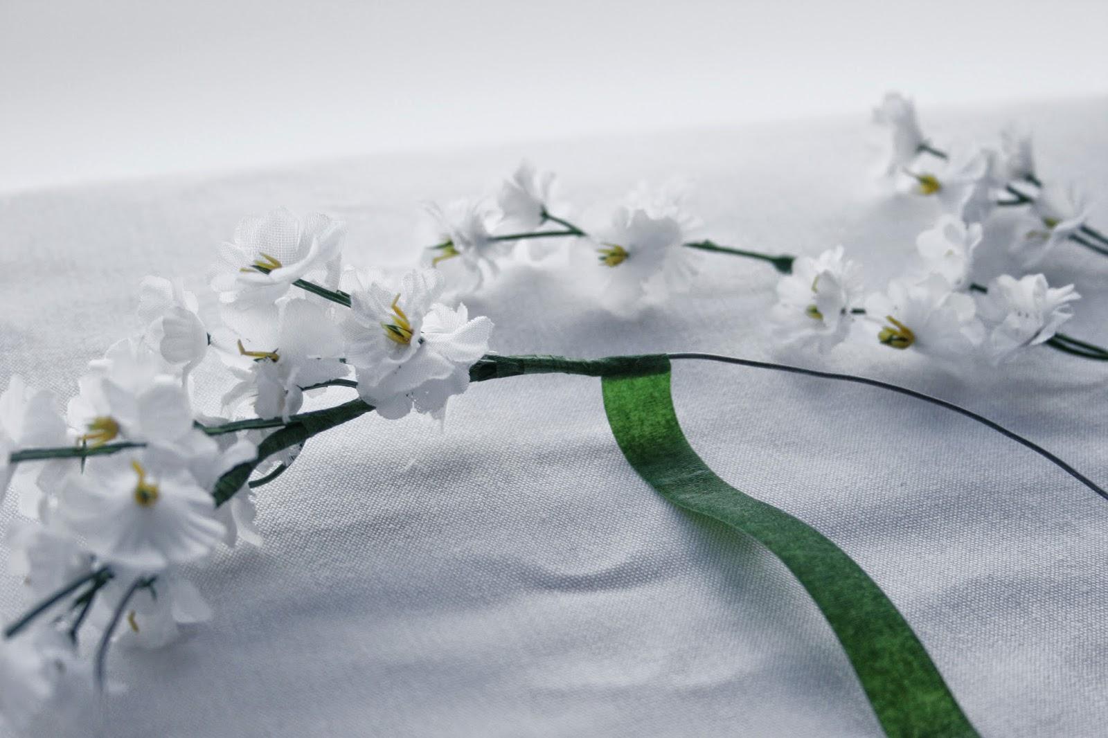 Flores y floratape - Diy corona de flores artificiales4