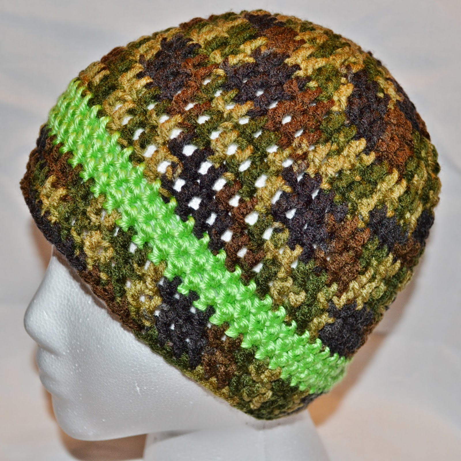 Free Crochet Pattern Hunting Hat : The Sequin Turtle: 12 Days of Christmas Hats: Day 2 - Camo Hat