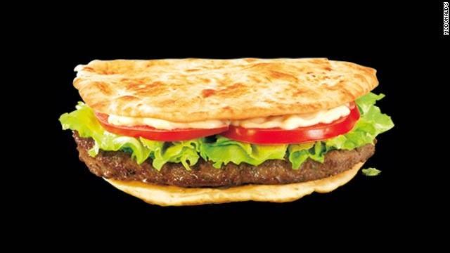 Sajian Menu McDonald di Arab McArabia sandwich