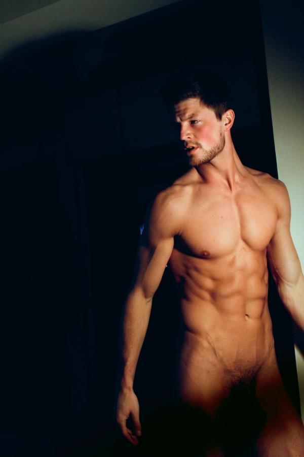 фото голые модели мужчины
