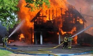 granja ardiendo quemada