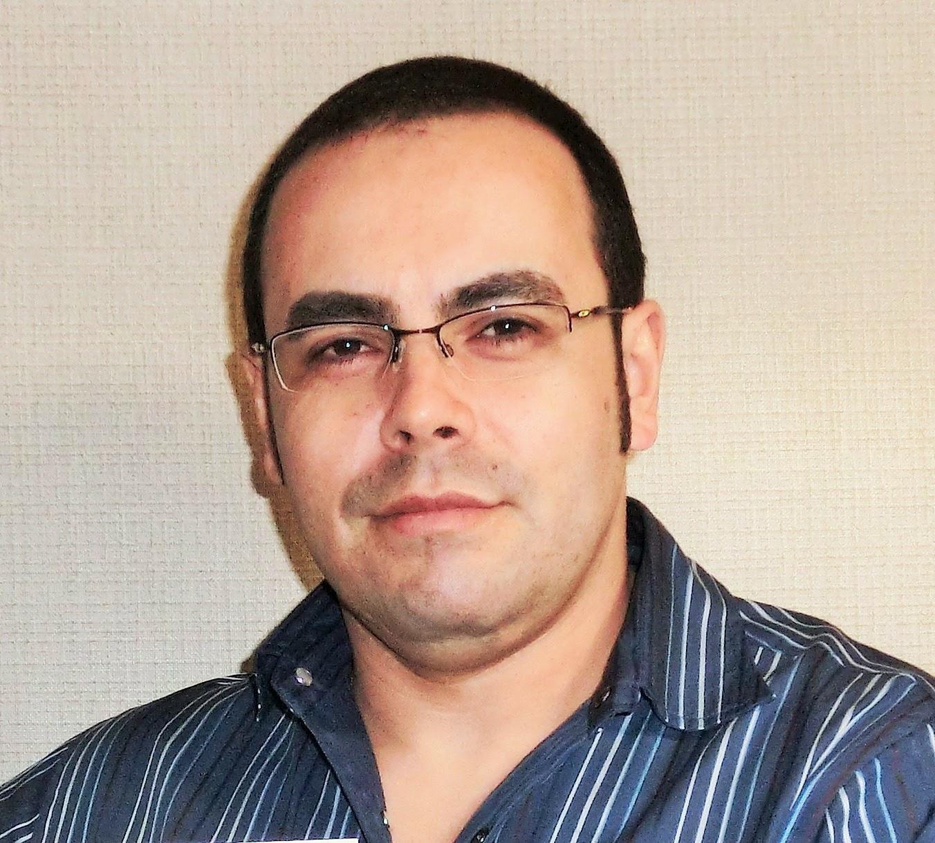 Sandro E. Salles