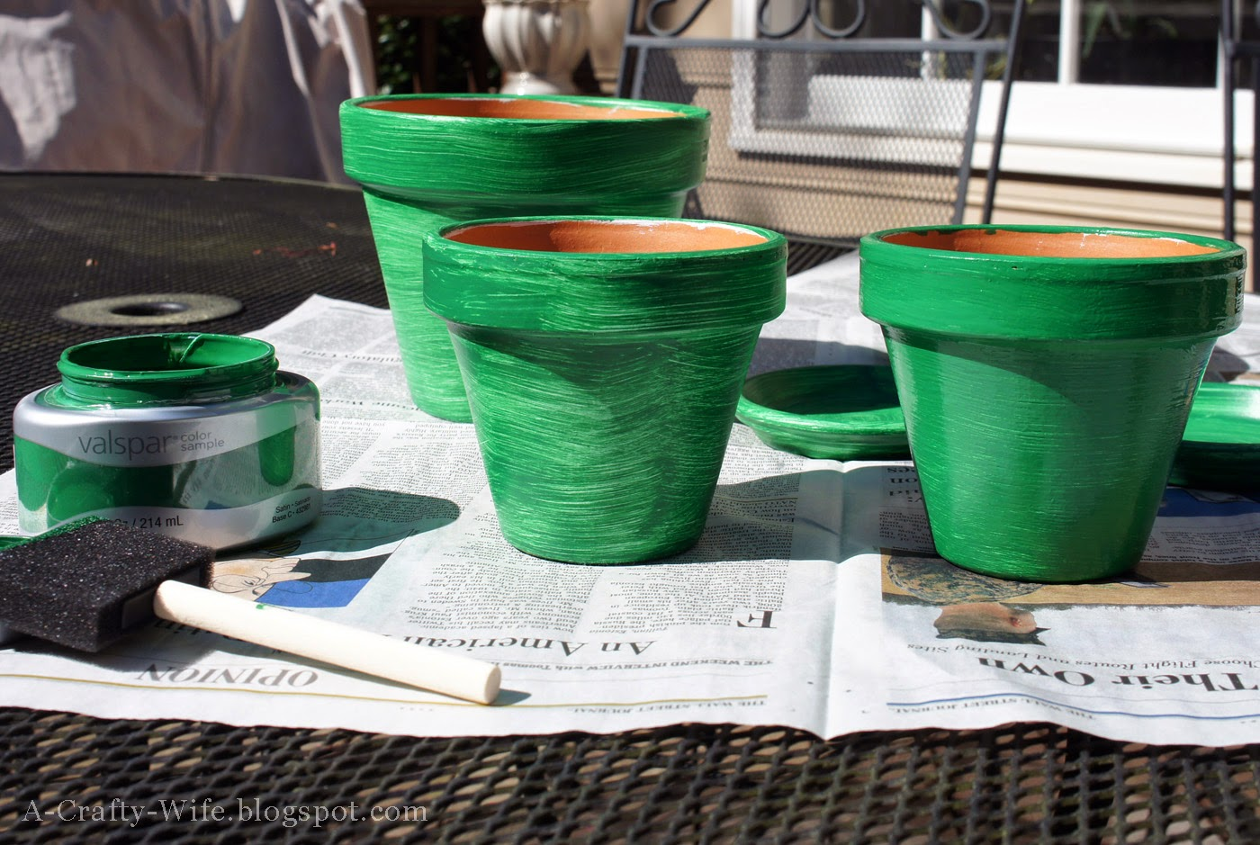 Painted terra cotta pots for houseplants | A Crafty Wife