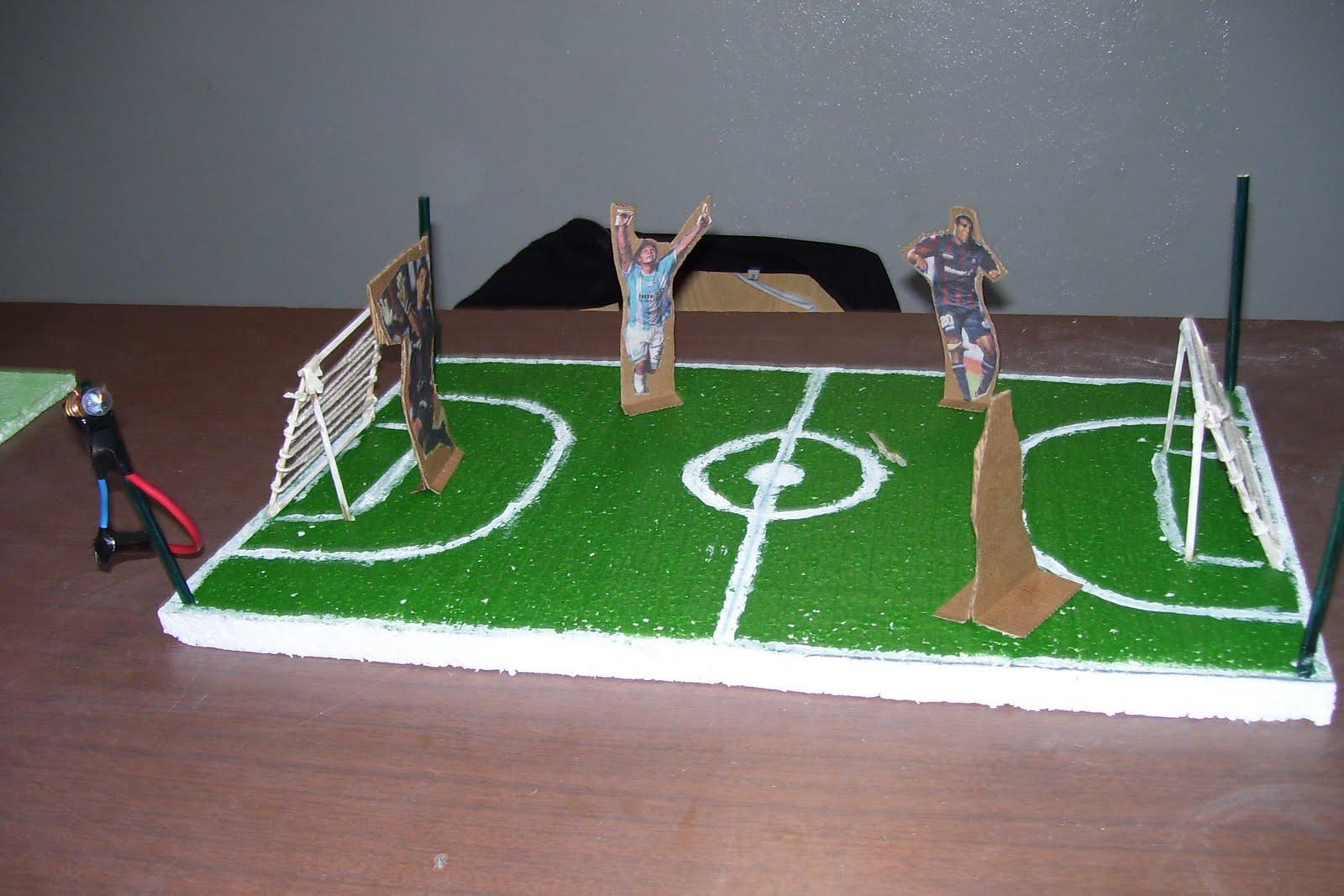 Brian Y Alejo Realizaron Maquetas De Canchas De Futbol Y