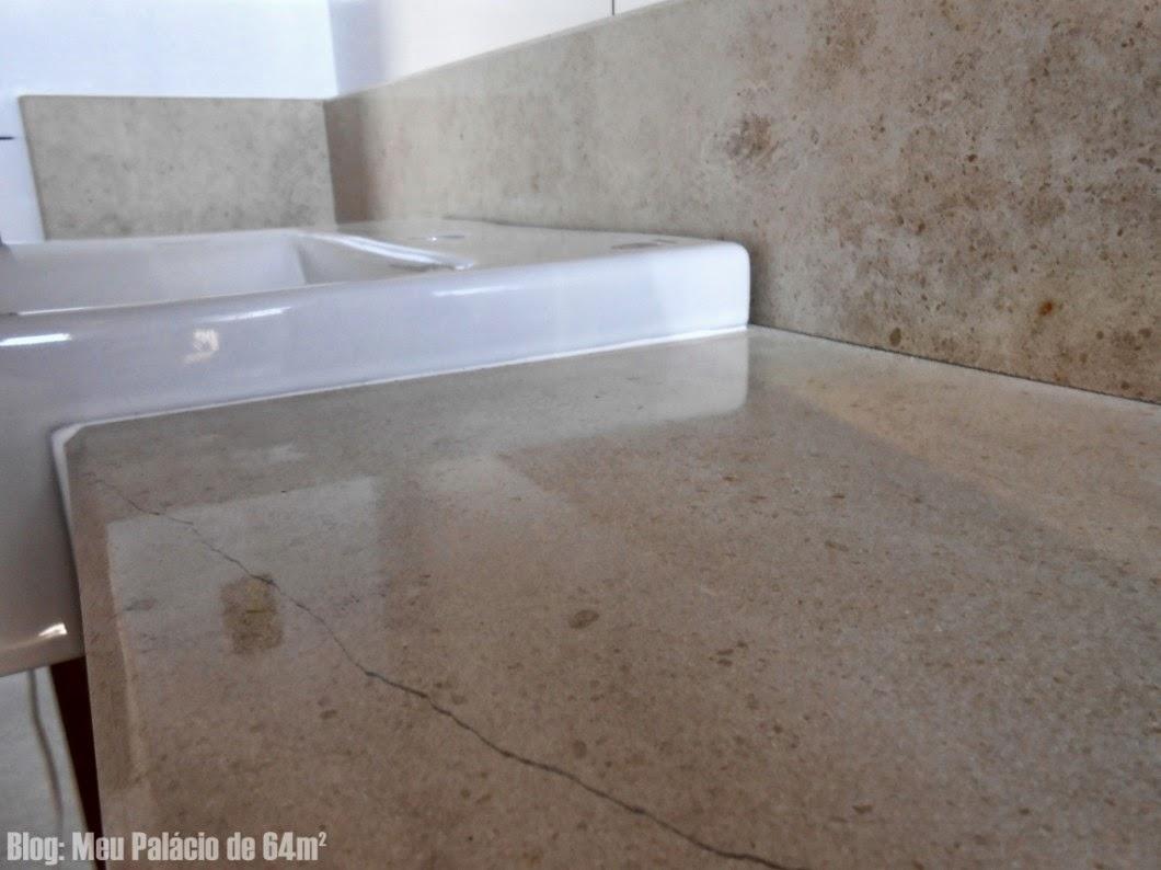 Sobre a resistência da pedra segundo a marmoraria o Crema Brasil é  #4F5F7C 1060x794 Bancada Banheiro Largura
